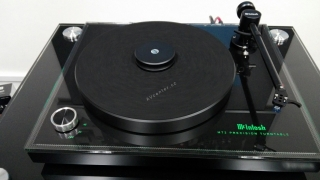 Gramofon McIntosh MT2